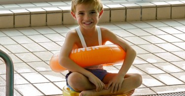 swimming-course-589497_640