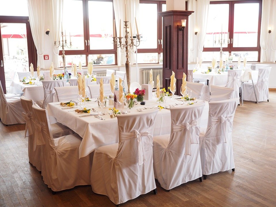 wedding-table-1174141_960_720